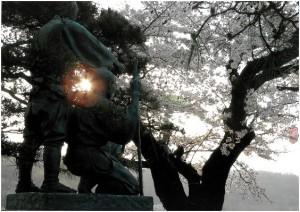 佳作「夕暮れの二子玉川兄弟像」葛尾豊